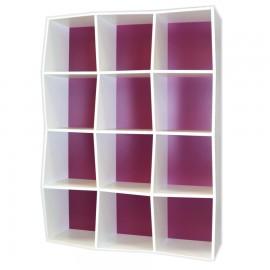 Étagère bibliothèque avec fond couleur violet / aubergine et corps de l'étagère en bois blanc juxtaposable et empilable