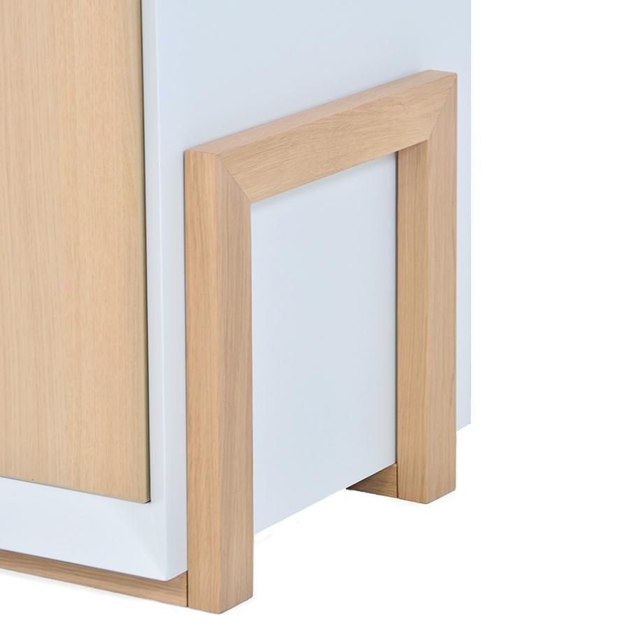 Mobilier haut de gamme avec pied en bois massif design