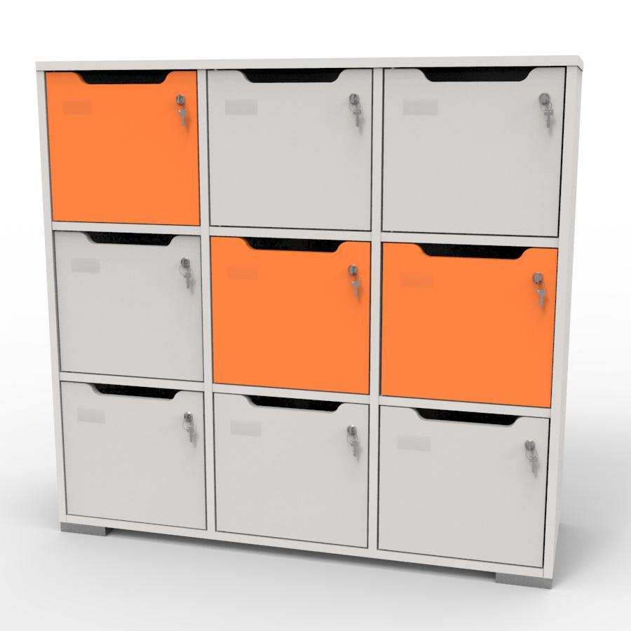 Meuble casier en bois blanc-orange correspondant aux attentes et besoins des vestiaires collectifs et salles de sport dans des entreprises et collectivités
